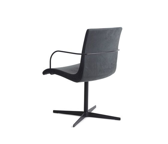 https://res.cloudinary.com/clippings/image/upload/t_big/dpr_auto,f_auto,w_auto/v1/product_bases/curves-chair-one-by-erik-bagger-furniture-erik-bagger-furniture-caroline-bagger-erik-bagger-clippings-2299022.jpg