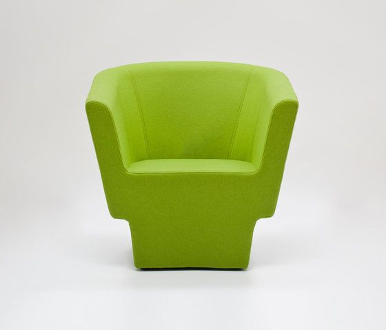 https://res.cloudinary.com/clippings/image/upload/t_big/dpr_auto,f_auto,w_auto/v1/product_bases/czeslaw-armchair-by-comforty-comforty-tomek-rygalik-clippings-5991002.jpg