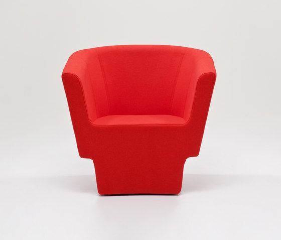 https://res.cloudinary.com/clippings/image/upload/t_big/dpr_auto,f_auto,w_auto/v1/product_bases/czeslaw-armchair-by-comforty-comforty-tomek-rygalik-clippings-5991352.jpg