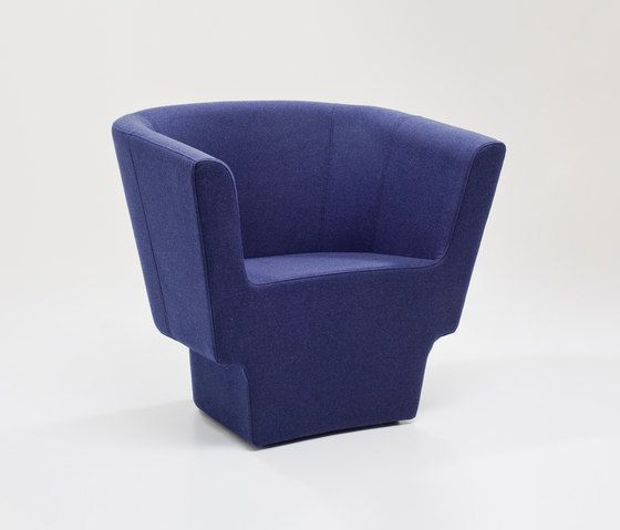 https://res.cloudinary.com/clippings/image/upload/t_big/dpr_auto,f_auto,w_auto/v1/product_bases/czeslaw-armchair-by-comforty-comforty-tomek-rygalik-clippings-5991432.jpg