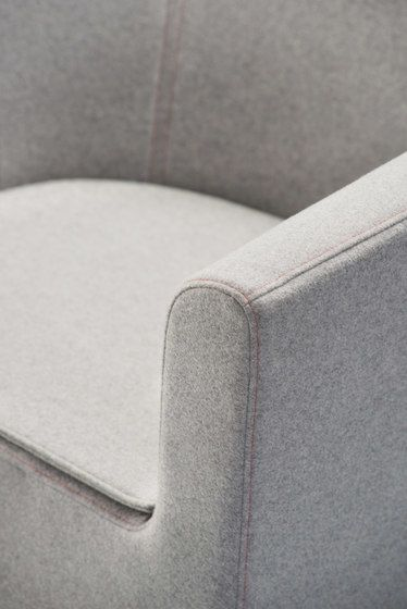 https://res.cloudinary.com/clippings/image/upload/t_big/dpr_auto,f_auto,w_auto/v1/product_bases/czeslaw-armchair-by-comforty-comforty-tomek-rygalik-clippings-5991692.jpg
