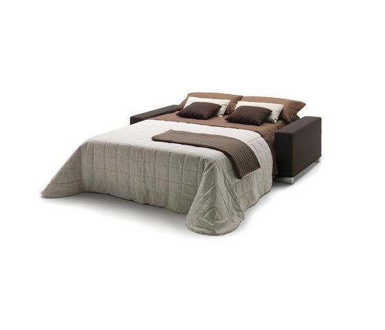 https://res.cloudinary.com/clippings/image/upload/t_big/dpr_auto,f_auto,w_auto/v1/product_bases/daniel-by-milano-bedding-milano-bedding-pietro-arosio-clippings-6437952.jpg