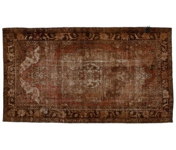 https://res.cloudinary.com/clippings/image/upload/t_big/dpr_auto,f_auto,w_auto/v1/product_bases/decolorized-mohair-brown-by-golran-1898-golran-1898-clippings-4095352.jpg