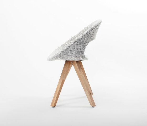 https://res.cloudinary.com/clippings/image/upload/t_big/dpr_auto,f_auto,w_auto/v1/product_bases/diagonal-solid-chair-by-dutchglobe-dutchglobe-arend-jan-hovestadt-clippings-8435302.jpg