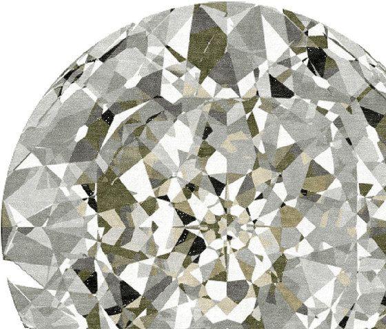 https://res.cloudinary.com/clippings/image/upload/t_big/dpr_auto,f_auto,w_auto/v1/product_bases/diamond-by-illulian-illulian-clippings-6674372.jpg