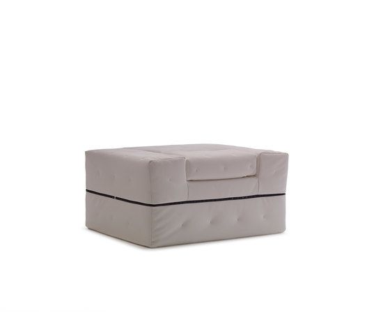 https://res.cloudinary.com/clippings/image/upload/t_big/dpr_auto,f_auto,w_auto/v1/product_bases/divaletto-by-milano-bedding-milano-bedding-enzo-palmisciano-clippings-5891322.jpg