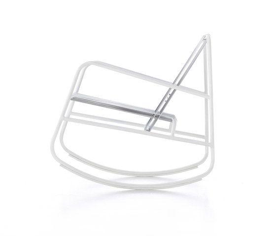 https://res.cloudinary.com/clippings/image/upload/t_big/dpr_auto,f_auto,w_auto/v1/product_bases/dozequinze-rocking-chair-by-gandiablasco-gandiablasco-francesco-sillitti-clippings-5632522.jpg