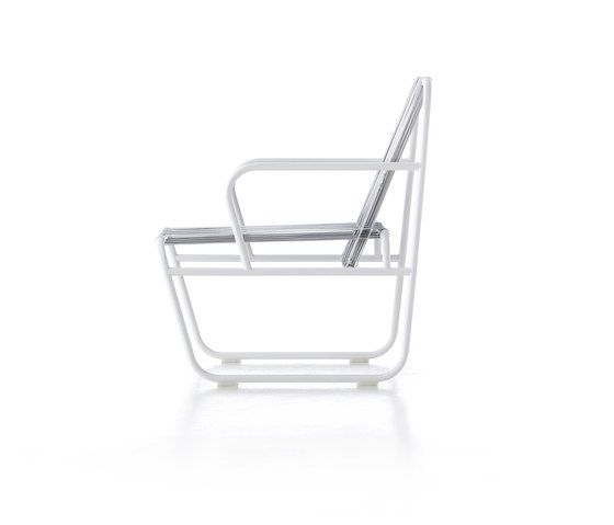 https://res.cloudinary.com/clippings/image/upload/t_big/dpr_auto,f_auto,w_auto/v1/product_bases/dozequinze-rocking-chair-by-gandiablasco-gandiablasco-francesco-sillitti-clippings-5632592.jpg