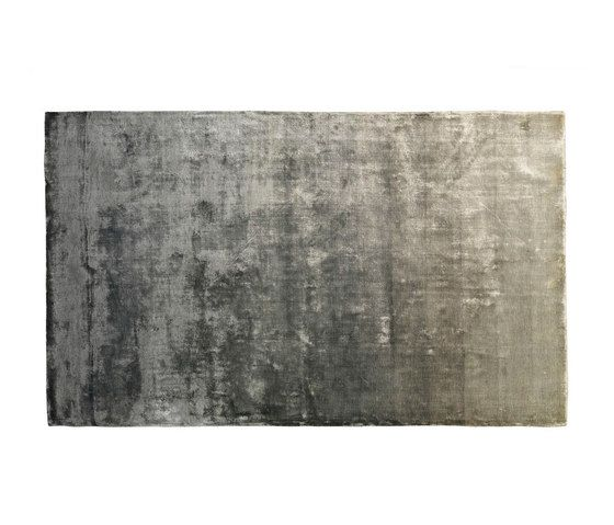 https://res.cloudinary.com/clippings/image/upload/t_big/dpr_auto,f_auto,w_auto/v1/product_bases/eberson-slate-rug-by-designers-guild-designers-guild-clippings-4189022.jpg