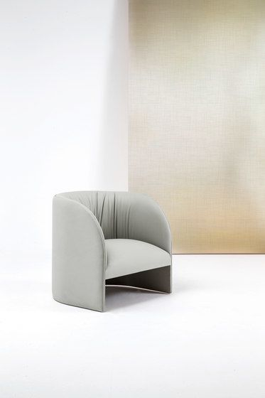 https://res.cloudinary.com/clippings/image/upload/t_big/dpr_auto,f_auto,w_auto/v1/product_bases/eclipse-lounge-chair-by-bross-bross-enzo-berti-clippings-2186122.jpg