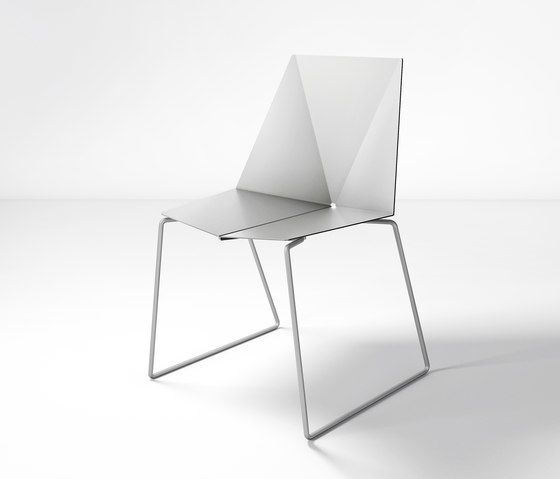 https://res.cloudinary.com/clippings/image/upload/t_big/dpr_auto,f_auto,w_auto/v1/product_bases/em-chair-by-oxit-design-oxit-design-clippings-6608152.jpg