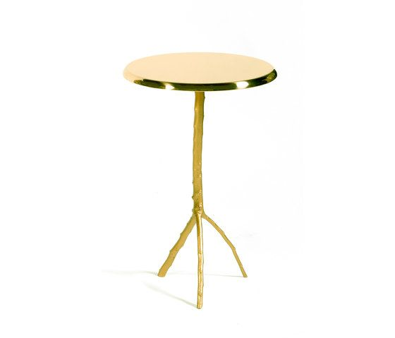 https://res.cloudinary.com/clippings/image/upload/t_big/dpr_auto,f_auto,w_auto/v1/product_bases/embrace-side-table-large-by-gingerjagger-gingerjagger-pedro-sousa-clippings-1911622.jpg