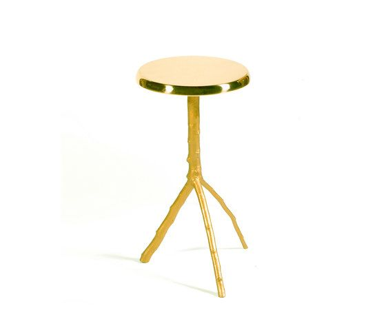 https://res.cloudinary.com/clippings/image/upload/t_big/dpr_auto,f_auto,w_auto/v1/product_bases/embrace-side-table-small-by-gingerjagger-gingerjagger-pedro-sousa-clippings-1905602.jpg