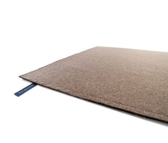 https://res.cloudinary.com/clippings/image/upload/t_big/dpr_auto,f_auto,w_auto/v1/product_bases/fabric-flat-felt-dark-taupe-by-kymo-kymo-eva-langhans-clippings-6221512.jpg