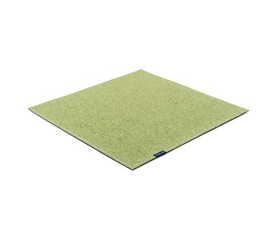 https://res.cloudinary.com/clippings/image/upload/t_big/dpr_auto,f_auto,w_auto/v1/product_bases/fabric-flat-felt-wimbledon-green-by-kymo-kymo-eva-langhans-clippings-6213872.jpg