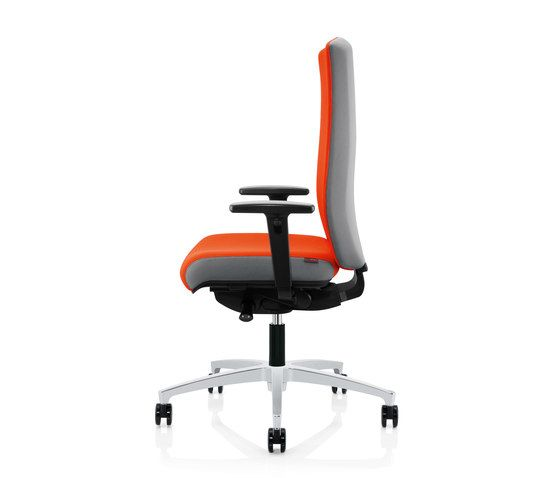 https://res.cloudinary.com/clippings/image/upload/t_big/dpr_auto,f_auto,w_auto/v1/product_bases/forma-swivel-chair-by-zuco-zuco-clippings-7562852.jpg