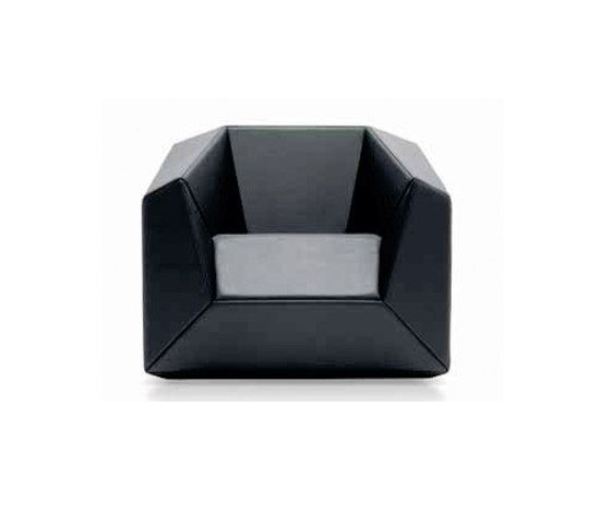 https://res.cloudinary.com/clippings/image/upload/t_big/dpr_auto,f_auto,w_auto/v1/product_bases/fx-10-armchair-by-neue-wiener-werkstatte-neue-wiener-werkstatte-thomas-feichtner-clippings-4608312.jpg