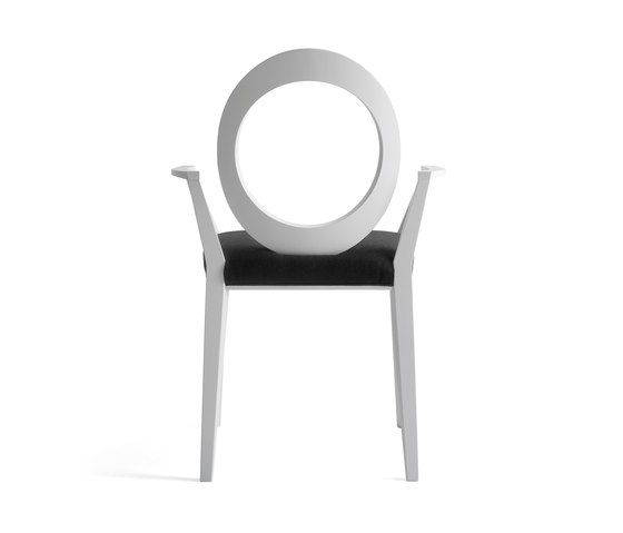 https://res.cloudinary.com/clippings/image/upload/t_big/dpr_auto,f_auto,w_auto/v1/product_bases/gemma-armchair-by-bross-bross-clippings-3151992.jpg
