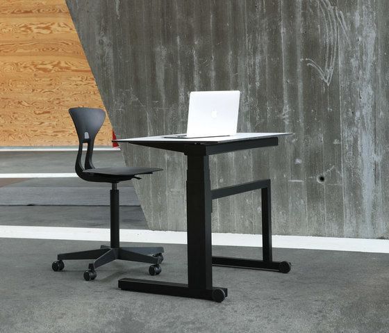 Gerrit Solo by Holmris Office by Holmris Office