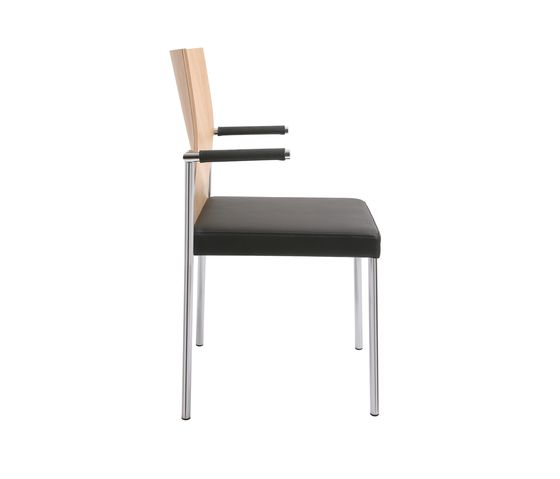 https://res.cloudinary.com/clippings/image/upload/t_big/dpr_auto,f_auto,w_auto/v1/product_bases/glooh-chair-by-kff-kff-clippings-2522472.jpg