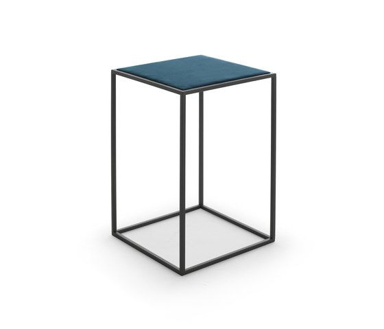 Gotham side table by Eponimo by Eponimo