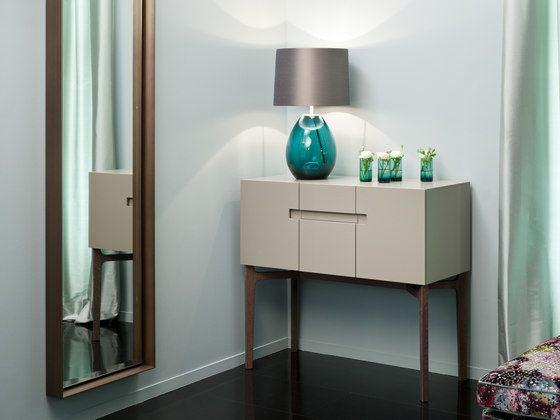 https://res.cloudinary.com/clippings/image/upload/t_big/dpr_auto,f_auto,w_auto/v1/product_bases/grace-table-lamp-by-christine-kroncke-christine-kroncke-christine-kroncke-team-clippings-2457452.jpg