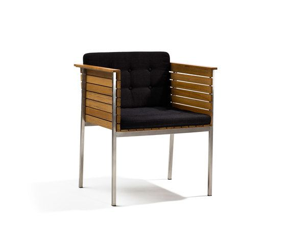 https://res.cloudinary.com/clippings/image/upload/t_big/dpr_auto,f_auto,w_auto/v1/product_bases/haringe-armchair-by-skargaarden-skargaarden-carl-jagnefelt-joacim-wahlstrom-clippings-7099432.jpg