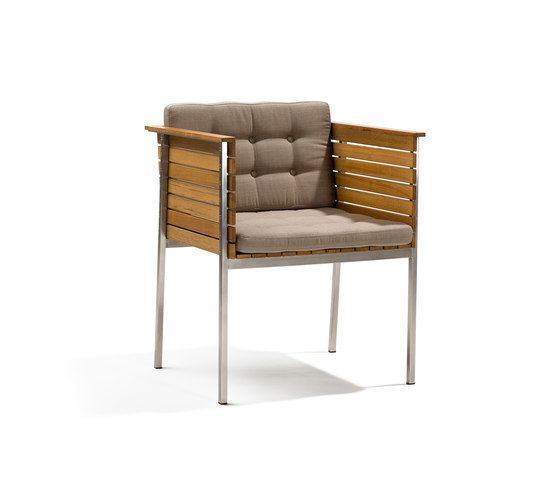 https://res.cloudinary.com/clippings/image/upload/t_big/dpr_auto,f_auto,w_auto/v1/product_bases/haringe-armchair-by-skargaarden-skargaarden-carl-jagnefelt-joacim-wahlstrom-clippings-7099782.jpg