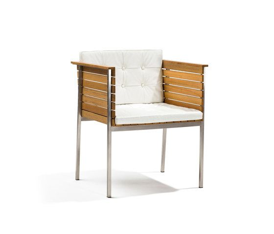 https://res.cloudinary.com/clippings/image/upload/t_big/dpr_auto,f_auto,w_auto/v1/product_bases/haringe-armchair-by-skargaarden-skargaarden-carl-jagnefelt-joacim-wahlstrom-clippings-7099862.jpg