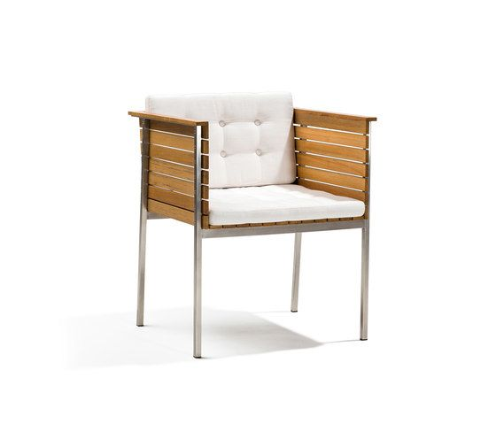 https://res.cloudinary.com/clippings/image/upload/t_big/dpr_auto,f_auto,w_auto/v1/product_bases/haringe-armchair-by-skargaarden-skargaarden-carl-jagnefelt-joacim-wahlstrom-clippings-7099962.jpg