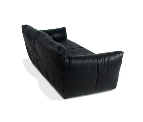 https://res.cloudinary.com/clippings/image/upload/t_big/dpr_auto,f_auto,w_auto/v1/product_bases/havanna-sofa-by-label-label-gerard-van-den-berg-clippings-6900002.jpg