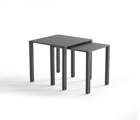 https://res.cloudinary.com/clippings/image/upload/t_big/dpr_auto,f_auto,w_auto/v1/product_bases/infinity-side-table-set-by-yomei-yomei-andre-schelbach-clippings-1833272.jpg