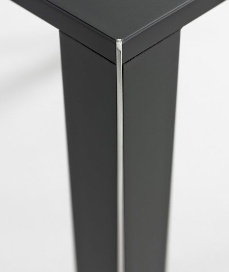 https://res.cloudinary.com/clippings/image/upload/t_big/dpr_auto,f_auto,w_auto/v1/product_bases/infinity-side-table-set-by-yomei-yomei-andre-schelbach-clippings-1833332.jpg