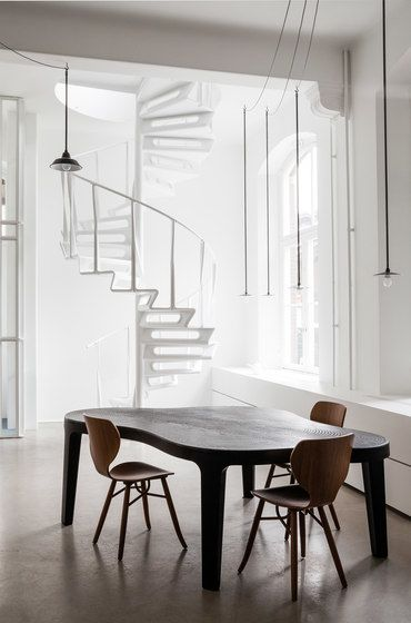 Design Bank Roderick Vos.Isola Table By Linteloo Coffee Side Tables By Linteloo