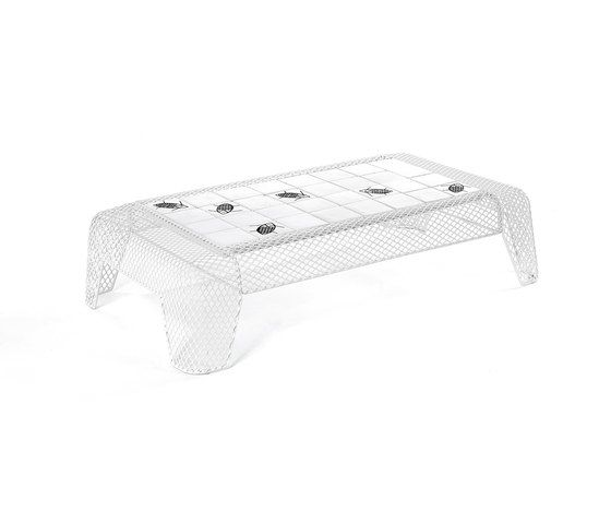 Ivy coffee table with mesh top by EMU