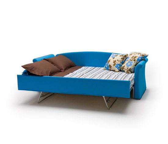 https://res.cloudinary.com/clippings/image/upload/t_big/dpr_auto,f_auto,w_auto/v1/product_bases/jack-classic-by-milano-bedding-milano-bedding-clippings-6446602.jpg