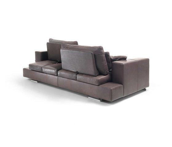 https://res.cloudinary.com/clippings/image/upload/t_big/dpr_auto,f_auto,w_auto/v1/product_bases/jack-move-sofa-by-giulio-marelli-giulio-marelli-clippings-5372872.jpg