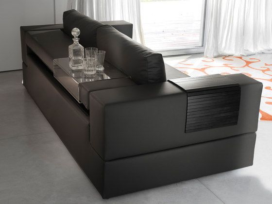 https://res.cloudinary.com/clippings/image/upload/t_big/dpr_auto,f_auto,w_auto/v1/product_bases/jaco-by-milano-bedding-milano-bedding-pietro-arosio-clippings-6456032.jpg