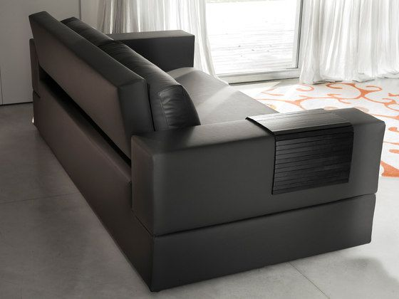 https://res.cloudinary.com/clippings/image/upload/t_big/dpr_auto,f_auto,w_auto/v1/product_bases/jaco-by-milano-bedding-milano-bedding-pietro-arosio-clippings-6456142.jpg