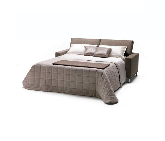 https://res.cloudinary.com/clippings/image/upload/t_big/dpr_auto,f_auto,w_auto/v1/product_bases/james-by-milano-bedding-milano-bedding-clippings-6445012.jpg