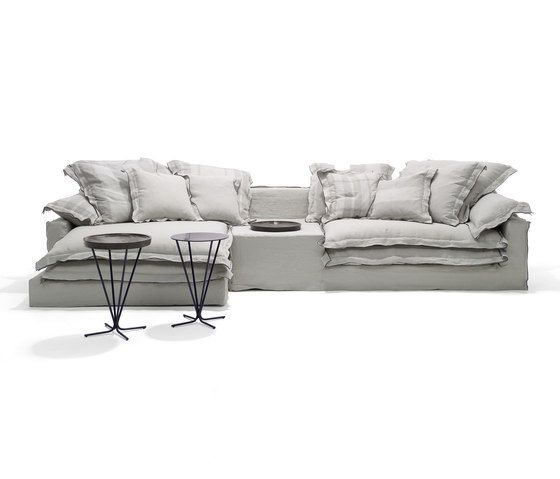 https://res.cloudinary.com/clippings/image/upload/t_big/dpr_auto,f_auto,w_auto/v1/product_bases/jans-new-sofa-by-linteloo-linteloo-paola-navone-clippings-6484212.jpg
