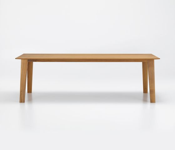 KAI Table by Girsberger by Girsberger