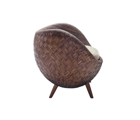 https://res.cloudinary.com/clippings/image/upload/t_big/dpr_auto,f_auto,w_auto/v1/product_bases/la-luna-easy-armchair-by-kenneth-cobonpue-kenneth-cobonpue-kenneth-cobonpue-clippings-4564892.jpg