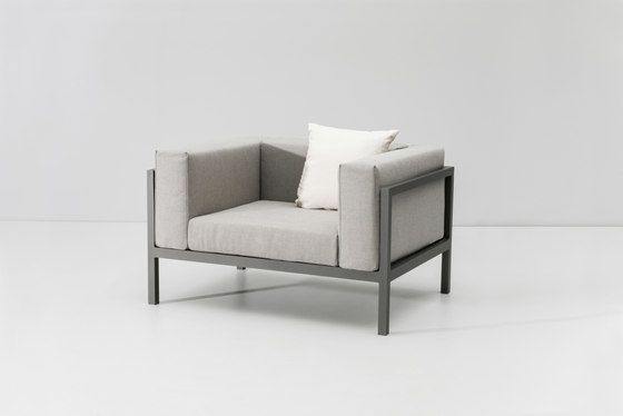https://res.cloudinary.com/clippings/image/upload/t_big/dpr_auto,f_auto,w_auto/v1/product_bases/landscape-club-armchair-xl-by-kettal-kettal-clippings-7941362.jpg