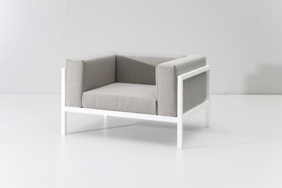 https://res.cloudinary.com/clippings/image/upload/t_big/dpr_auto,f_auto,w_auto/v1/product_bases/landscape-club-armchair-xl-by-kettal-kettal-clippings-7941452.jpg