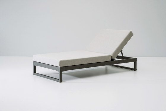 https://res.cloudinary.com/clippings/image/upload/t_big/dpr_auto,f_auto,w_auto/v1/product_bases/landscape-lounger-with-5-position-by-kettal-kettal-clippings-4353532.jpg