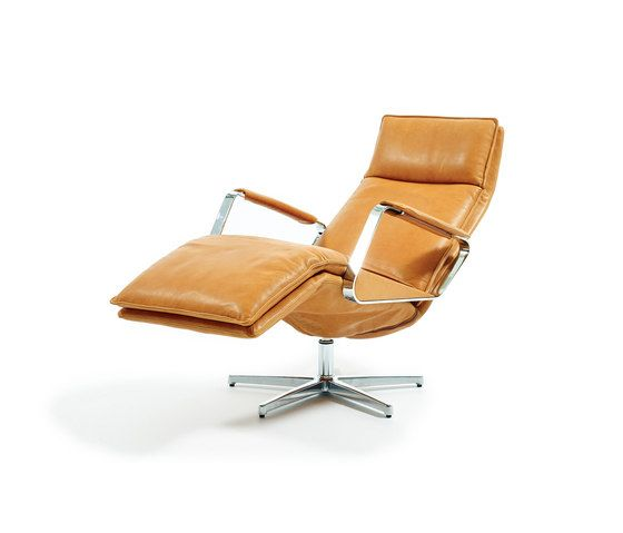 https://res.cloudinary.com/clippings/image/upload/t_big/dpr_auto,f_auto,w_auto/v1/product_bases/largo-with-open-armrest-by-durlet-durlet-kai-stania-clippings-6427202.jpg