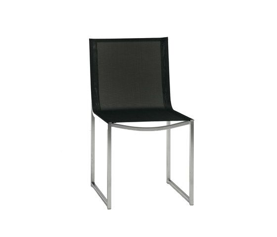 https://res.cloudinary.com/clippings/image/upload/t_big/dpr_auto,f_auto,w_auto/v1/product_bases/latona-dining-chair-by-manutti-manutti-clippings-7066842.jpg
