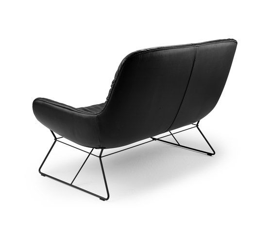 https://res.cloudinary.com/clippings/image/upload/t_big/dpr_auto,f_auto,w_auto/v1/product_bases/leya-lounge-couch-by-freifrau-sitzmobelmanufaktur-freifrau-sitzmobelmanufaktur-birgit-hoffmann-christoph-kahleyss-clippings-7844352.jpg