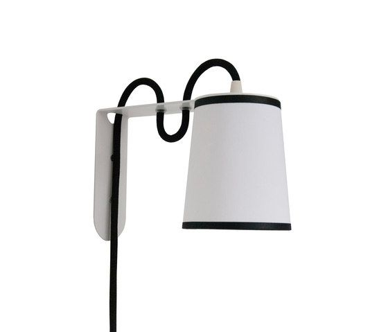 https://res.cloudinary.com/clippings/image/upload/t_big/dpr_auto,f_auto,w_auto/v1/product_bases/lightbook-wall-lamp-by-designheure-designheure-herve-langlais-clippings-4451912.jpg